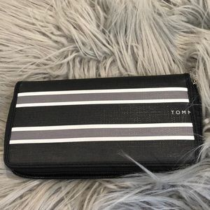 Tommy Hilfiger Bags - Tommy Hilfiger Zip Around Wallet